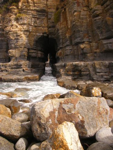 Tunnel Bay